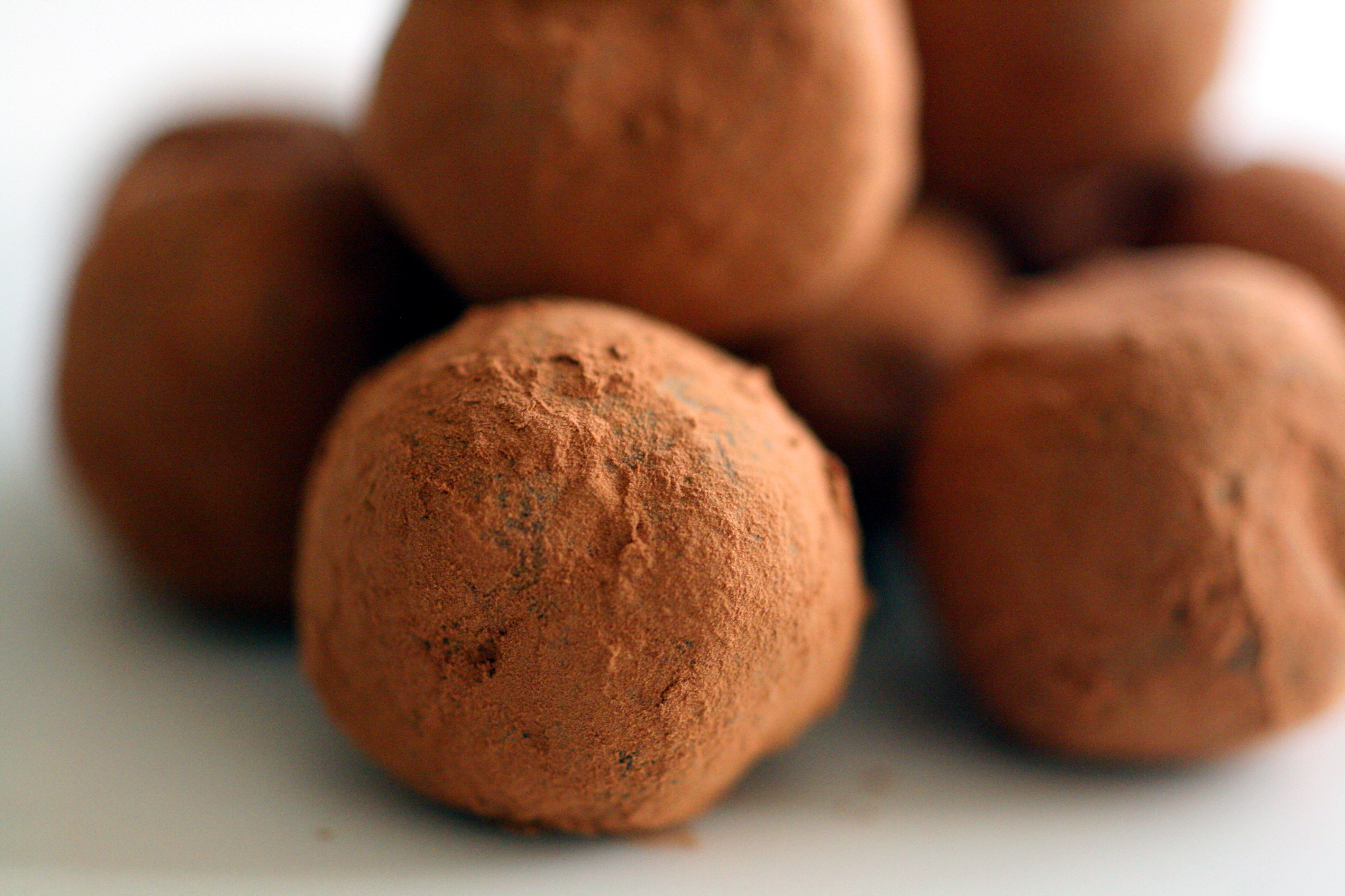 Cardamom Flavored Chocolate Truffles | Can't live without…